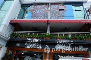 Foto 6 - Eksterior di Mandailing Cafe Bistro oleh Darsehsri Handayani