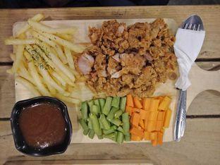 Foto - Makanan di Kandang Ayam oleh Elena Kartika