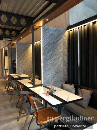 Foto 5 - Interior di Paladin Coffee + Kitchen oleh Patsyy