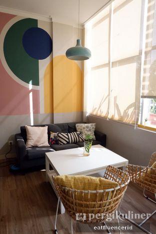 Foto 5 - Interior di Dimata Coffee and Eatery oleh Illya Adista
