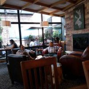 Foto 5 - Interior di Caribou Coffee oleh Ricky Nevariza