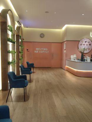 Foto 8 - Interior di Lumiere oleh deasy foodie