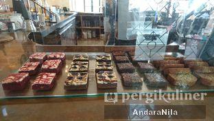 Foto 5 - Interior di Crematology Coffee Roasters oleh AndaraNila