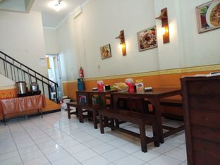 Foto 2 - Interior di Rawon Pecel Andayani oleh Ulee