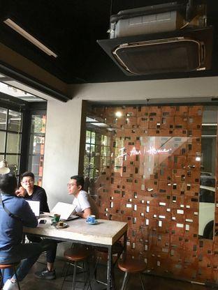 Foto 11 - Interior di Fillmore Coffee oleh Prido ZH