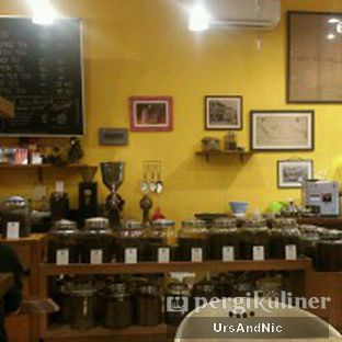 Foto 5 - Interior di Coffee Tree oleh UrsAndNic