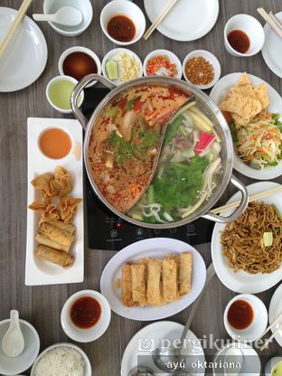 Foto 8 - Makanan di Coca Suki Restaurant oleh a bogus foodie