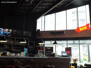 Foto 15 - Interior(Bar) di Open Door oleh Vincentia Stepfanie