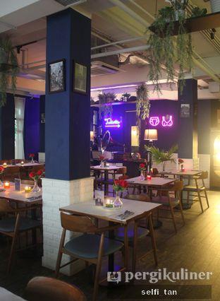 Foto 4 - Interior di Bleu Alley Brasserie oleh Selfi Tan