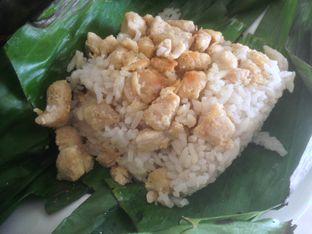 Foto 3 - Makanan(Ayam) di Nasi Bakar Roa oleh Komentator Isenk