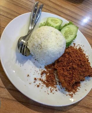 Foto - Makanan di Ayam Goreng Karawaci oleh Mitha Komala
