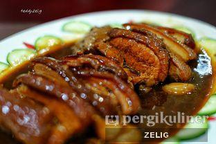 Foto 10 - Makanan(Babi Hong) di Gunung Mas oleh @teddyzelig
