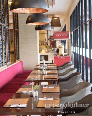 Foto 10 - Interior di Green Canyon Urban Dining - The Alana Hotel Sentul City oleh Darsehsri Handayani