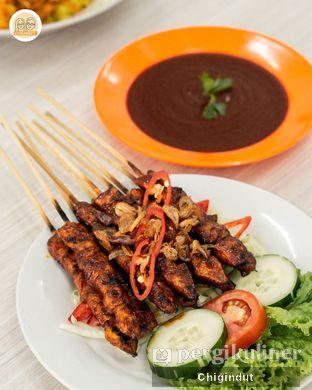 Foto 6 - Makanan(Sate Ayam Banjar) di Depot Mak Ay oleh Chigindut Youtuber