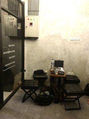 Foto 16 - Interior di tempatbercakapkopi by Foresthree oleh Prido ZH