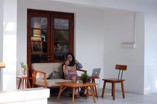 Foto 21 - Interior di Simetri Coffee Roasters oleh yudistira ishak abrar