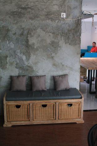 Foto 6 - Interior di Hidden Haus Coffee & Tea oleh Prido ZH