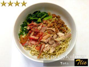 Foto 1 - Makanan di Bakmi Telor Akim oleh Tirta Lie