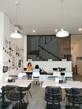 Foto 9 - Interior di Oiio Bistro oleh Ong Eng Say
