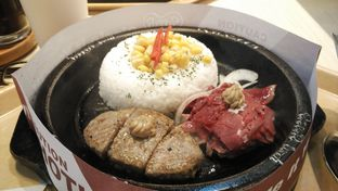 Foto 2 - Makanan(Beef and hamburg rice) di Pepper Lunch oleh Shabira Alfath