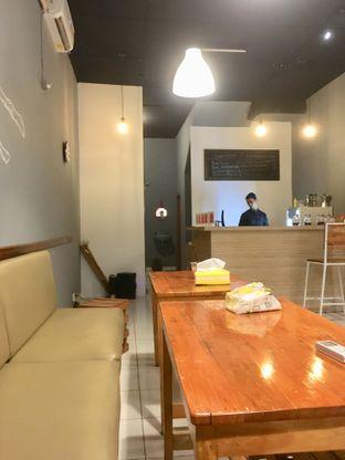Foto 5 - Interior di Ruang Eatery & Coffee oleh Prido ZH