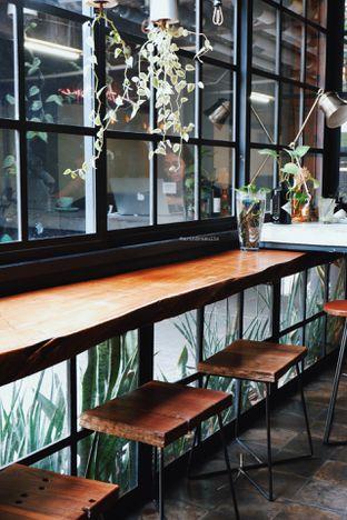 Foto 4 - Interior di Fillmore Coffee oleh Indra Mulia