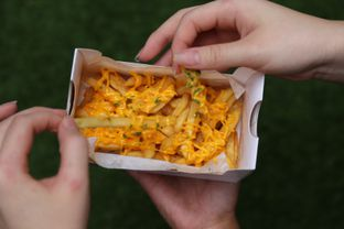 Foto 7 - Makanan(cheezy fries) di Thick Toast oleh Adelaide Lavenia