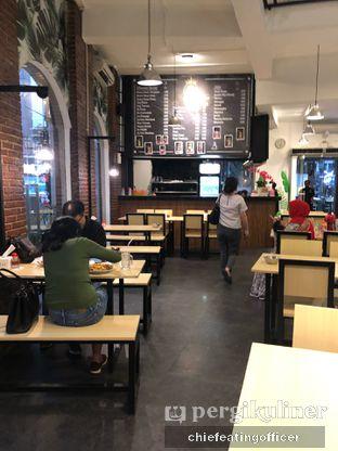 Foto 10 - Interior di Kedai Sutan Mangkuto oleh Cubi