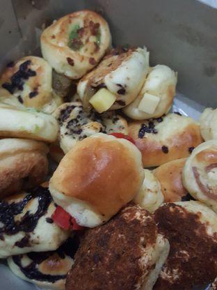 Foto 5 - Makanan di Roti Unyil Venus oleh Stallone Tjia (@Stallonation)