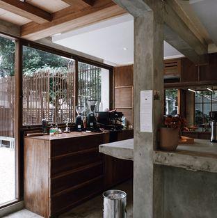 Foto 5 - Interior di Kyo Coffee oleh Della Ayu