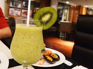 Foto 2 - Makanan(Jus Kiwi) di Signatures Restaurant - Hotel Indonesia Kempinski oleh IG: FOODIOZ