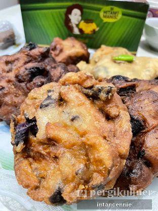 Foto 1 - Makanan di Pisang Goreng Madu Bu Nanik oleh bataLKurus