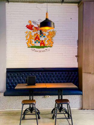 Foto 2 - Interior di Beranda Depok Cafe & Resto oleh Tatan
