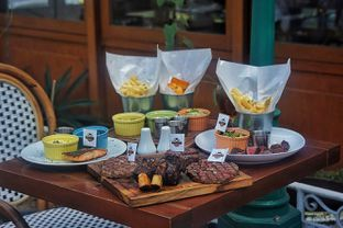 Foto 8 - Makanan(Steak Selections) di Dandy's Steak and Coffee House oleh Fadhlur Rohman