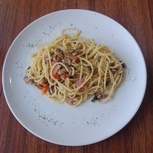 Foto 2 - Makanan(Aglio E Olio) di Carnis oleh Fensi Safan