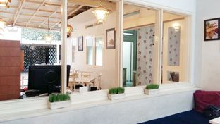 Foto review Little White Cafe oleh Inggie Sulastianti 3