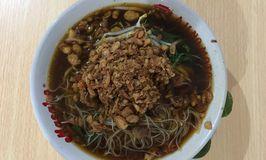 Mie Kangkung & Laksa Ayam