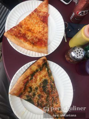 Foto 2 - Makanan di Pizza Place oleh a bogus foodie