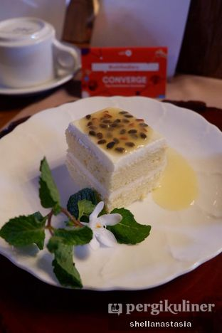 Foto 5 - Makanan(Cheesecake with Passion Fruit) di Bunga Rampai oleh Shella Anastasia