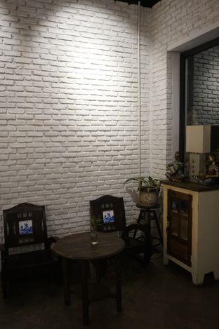 Foto 10 - Interior di Kaffeine Kline oleh yudistira ishak abrar