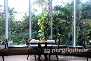 Foto 14 - Interior di The Cafe - Hotel Mulia oleh Darsehsri Handayani