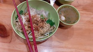 Foto 1 - Makanan(Bakmi Garing Komplit Vegetarian) di Vegetarian Bakmie Garing H-P (Hot Pedas) oleh Yulia
