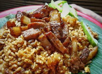 10 Nasi Goreng Enak di Bandung yang Bakal Bikin Ketagihan