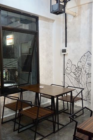 Foto 15 - Interior di Nationalism Coffee Brewers oleh Prido ZH