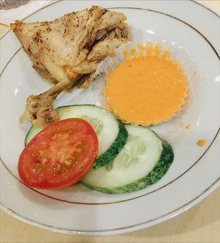 Foto 2 - Makanan(Ayam Pop) di Kedai Sutan Mangkuto oleh Jeljel