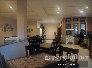 Foto 5 - Interior di Tree House Cafe oleh Makan Mulu