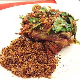 Foto review Ayam Mercon Rumah Betawi BSD oleh Magdalena Fridawati 1