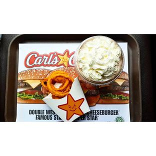 Foto 1 - Makanan di Carl's Jr. oleh Rizky Sugianto