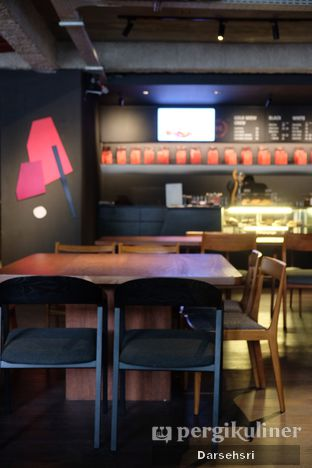 Foto 5 - Interior di Tanamera Coffee Roastery oleh Darsehsri Handayani