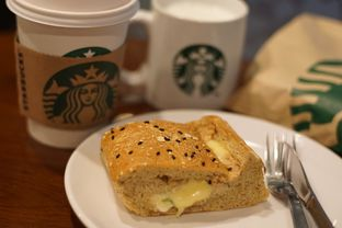 Foto review Starbucks Coffee oleh Marchella Loofis 2